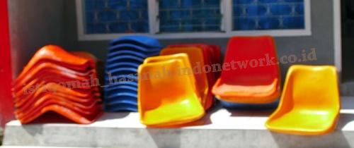 kursi-fiber-kursi-tunggu-stadion-fiberglass-bangku-fiber-kursi-tunggufiber